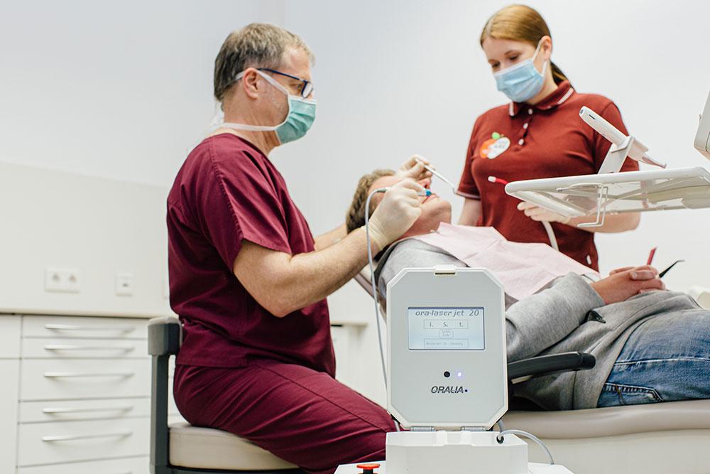 Zahnarzt Hannover Innenstadt - Dr. Martin Gleisberg - Leistungen - Lasertherapie